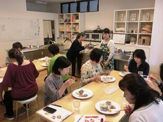 http://blog.shimatakara.jp/blog/CIMG7712.b.jpg